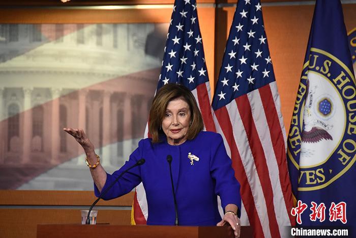 美国的疫情继续恶化。感染后,国会议员将被迫在众议院戴口罩。