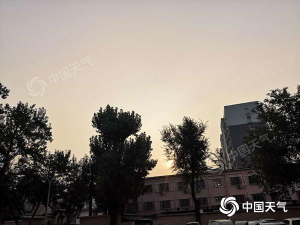 蒸汽和烹饪!在未来三天,北京将继续频繁地雷雨。
