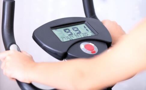 肌酸运动前后哪个时间吃?