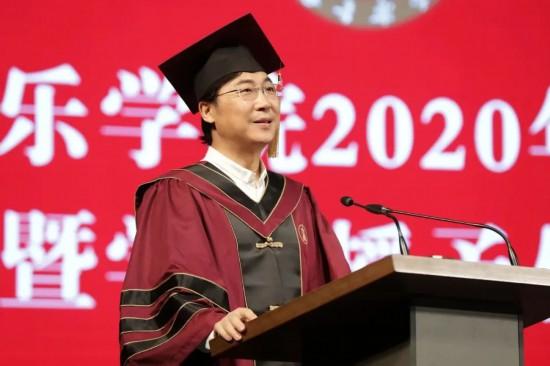 """廖昌永院长给毕业生发了一条信息:""""与时俱进,为人民歌唱。"""