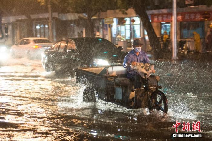 """北方暴雨袭击台风""""米克拉""""今天登陆福建"""