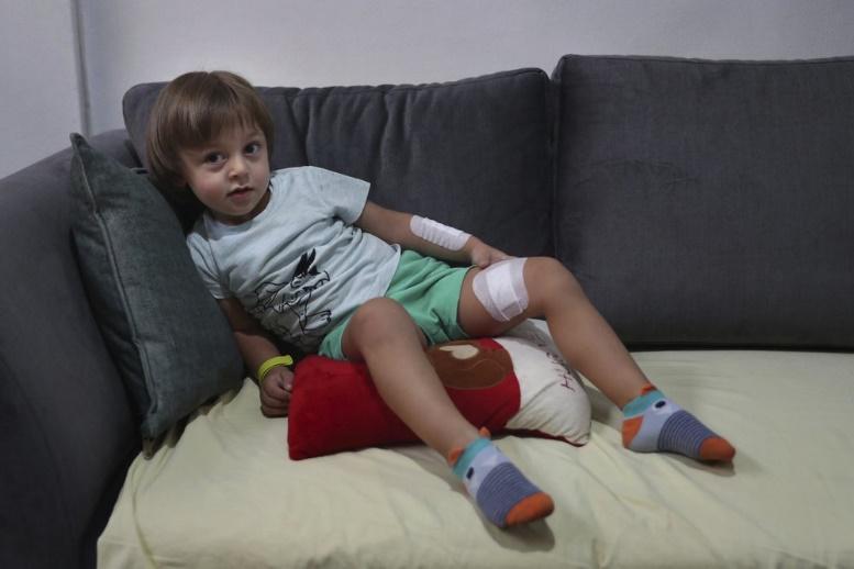 贝鲁特爆炸案造成100000名儿童流离失所,其中许多儿童遭受精神创伤