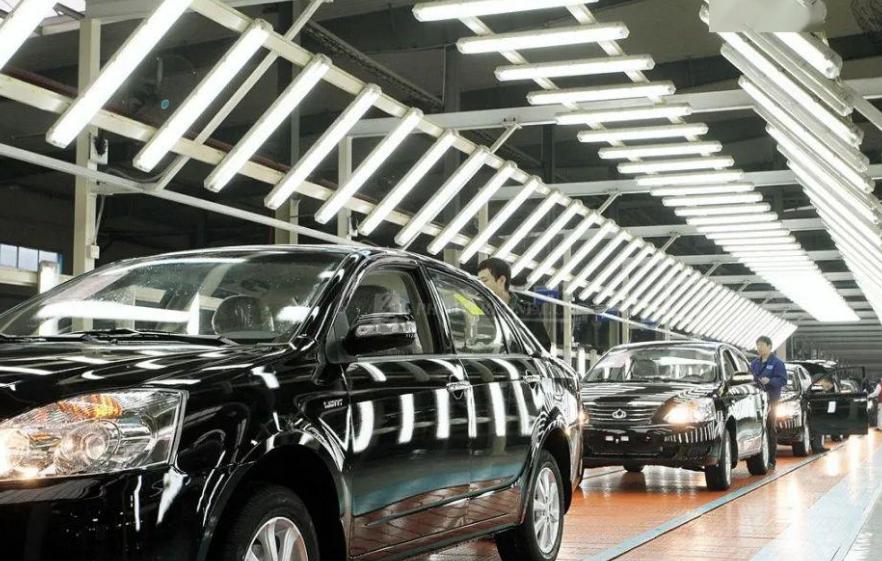 在汽车市场,中国汽车协会7月份的成绩单仍在升温,这是一个很大的担忧