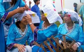 """让布依族人民拿着""""蓝色""""金饭碗"""