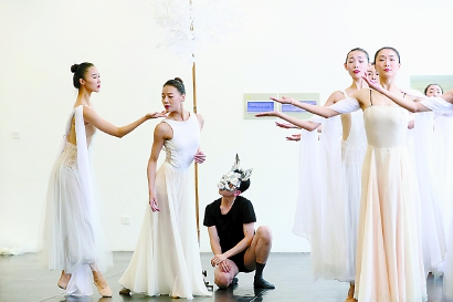 给予神话当代审美:原创舞剧《嫦娥之月亮传说》