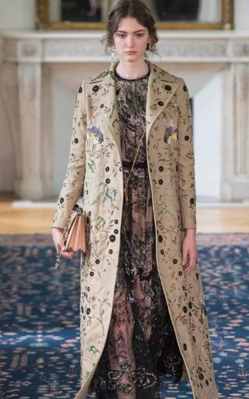 Valentino与Prada宣布未来不再使用羊驼毛和袋鼠皮