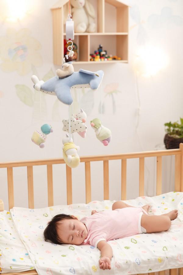 奶睡对宝宝有这些不好的影响  妈妈们要注意了哦