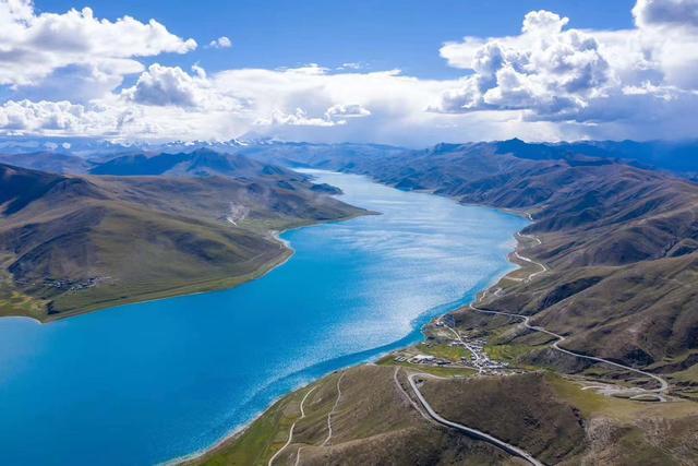 西藏种草,圣湖羊卓雍措游玩攻略,一条丝带围着神山