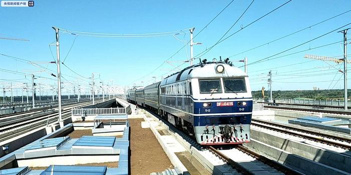 京雄城际联调联试,第一辆动态测试车开始在线运行