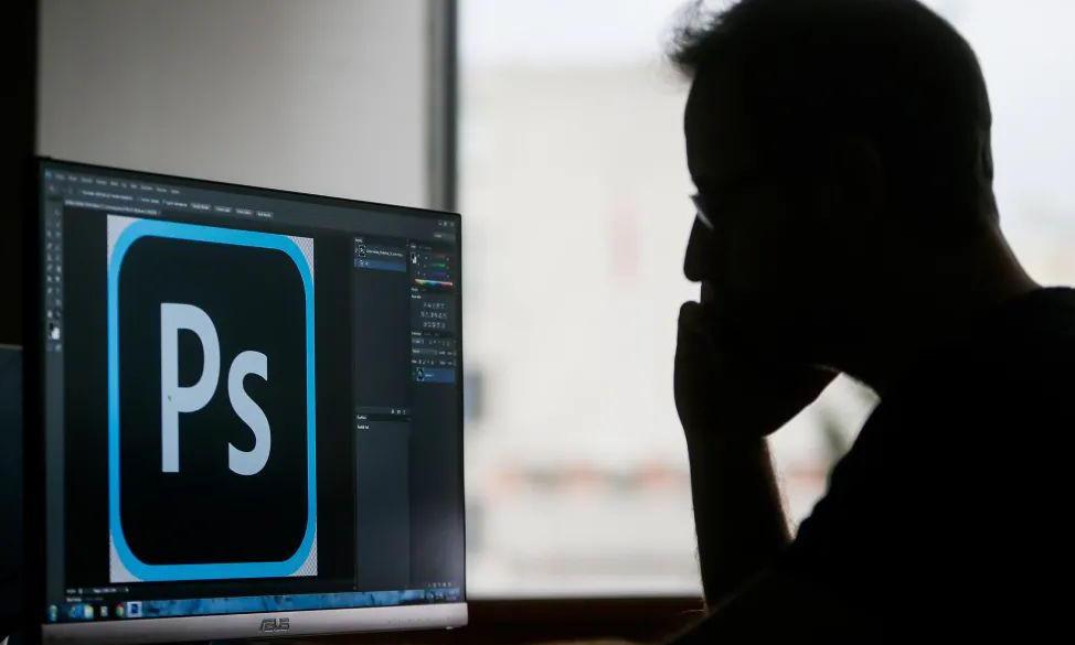 "Adobe成立37年了,在saas赛道还""跑""得动吗?"