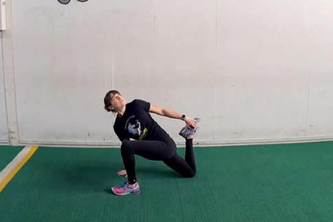 早起时,伸展运动的要点是什么?
