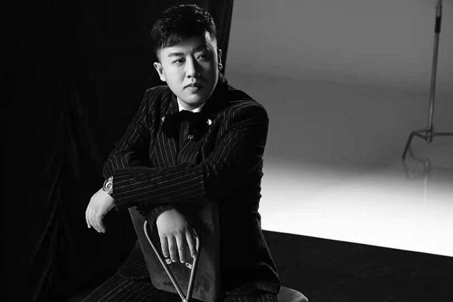 歌手刘斌首支单曲MV《风雨共相随》
