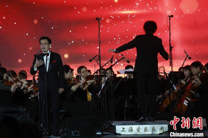 黄浦江畔响起歌剧、交响乐