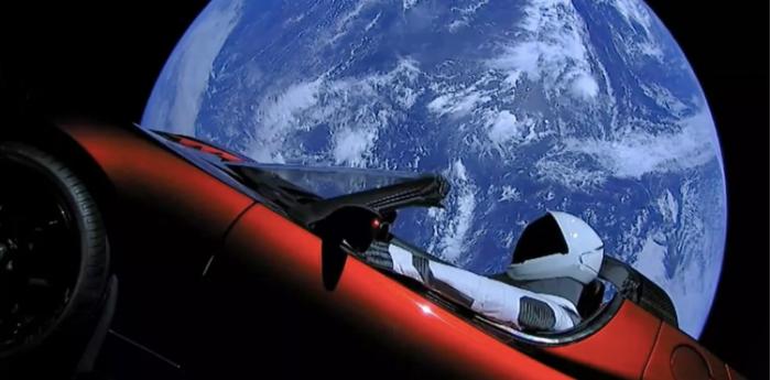 乘坐马斯克座驾SpaceX Starman假人距离飞越了火星