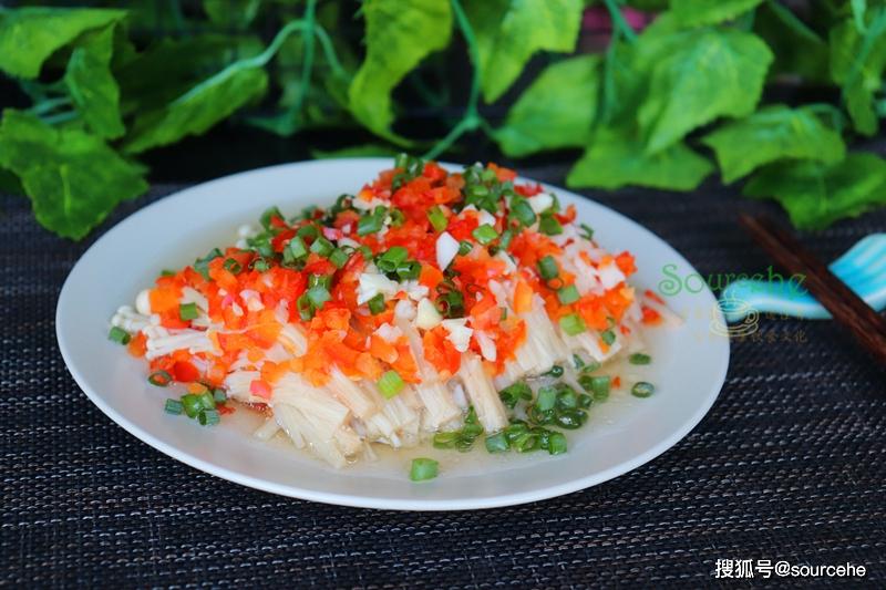 金针菇别只会打火锅,加剁辣椒蒸一蒸。