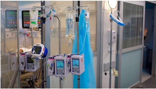 美国模式预测,到明年2月,新冠肺炎在美国的死亡人数将增加近80%