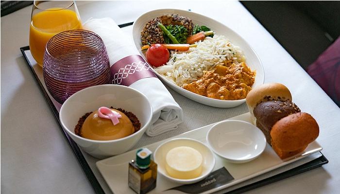 在在万米高空,植物餐的味道是什么?卡航空公司是素食的领头羊