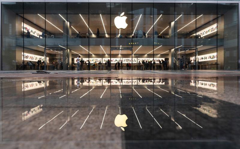 苹果回应iPhone 12启动5G后续航时间减少:目前与运营商合作提升电池寿命