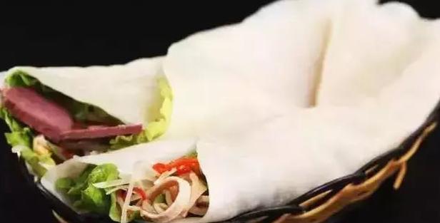 烙馍卷菜这样子做,味道最佳