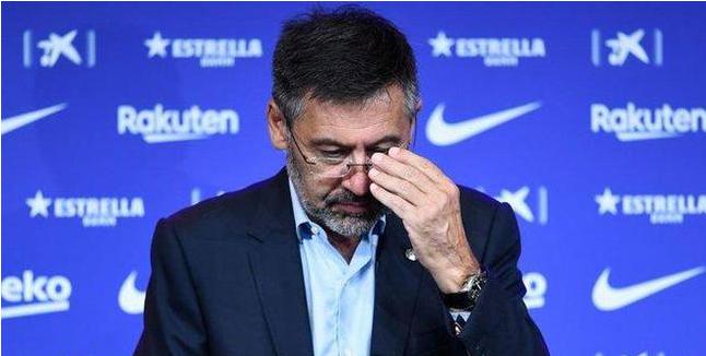 巴托莫没有从董事会辞职,他声称自己是巴塞罗那历史上最好的球员