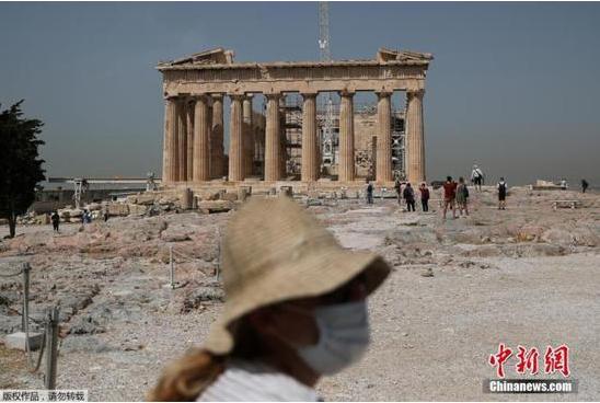 希腊疫情导致118所学校关闭,数百所中学继续罢工