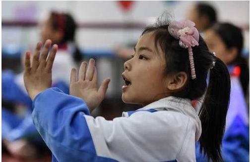 陕西基本解决了因贫困而退出义务教育的问题