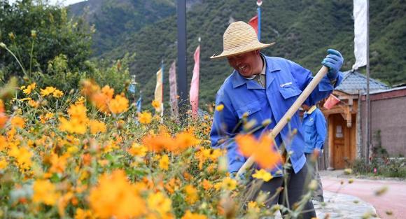 甘肃甘南:全域旅游促进小康村快速发展