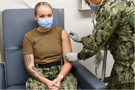 驻韩国美军接种流感疫苗:单独供应与韩国人民使用的不同