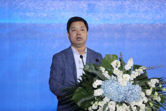 重庆诗仙太白酒业有限公司董事长赖家国致辞。向顺豪 摄