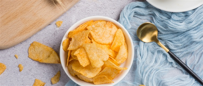 小心!多个知名品牌的薯片被查出含有致癌物质,盐津铺子、三只松鼠等中招
