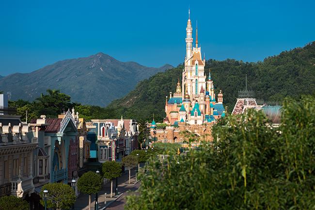 香港迪士尼乐园15周年 ,有多款优惠产品