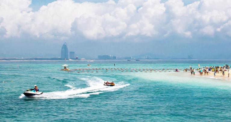 蜈支洲岛的浪漫,蓝蓝的海,有爱琴海的调调!