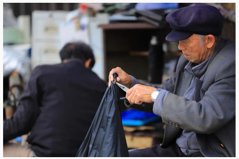 央行李伟:从支付服务等方面使得老年人金融服务满意度提升
