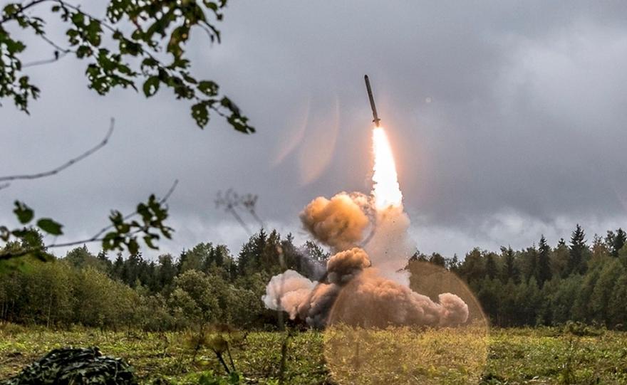 """俄罗斯成功地再次试射""""锆石""""高超音速巡航导弹"""