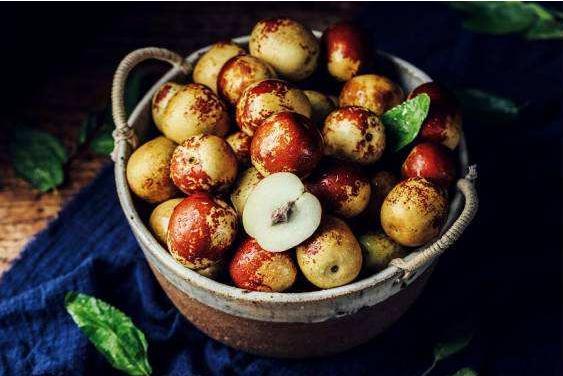 """冬季的食物,冬枣和栗子,原来的热量不是""""好茬"""