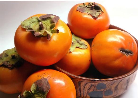 吃柿子的忌讳,柿子和什么东西不能一起吃