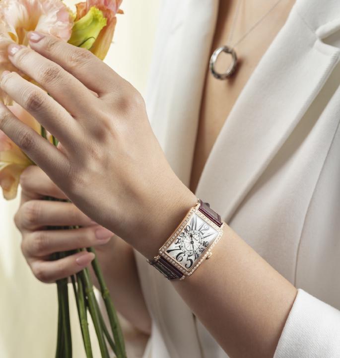 法穆兰长岛腕表展现优雅的时间美学