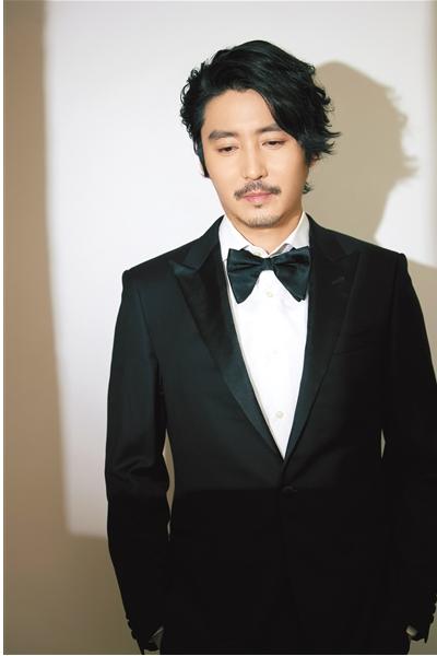 王泷正:对方演员的口水明星可以帮助演出