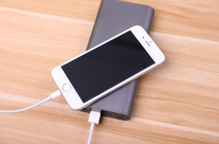 共享充电宝从每小时1元上升到10元 ,法律人士:符合市场规律