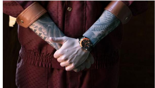 Gucci与Fnatic合作推出了一款新的限量GucciDive系列潜水手表
