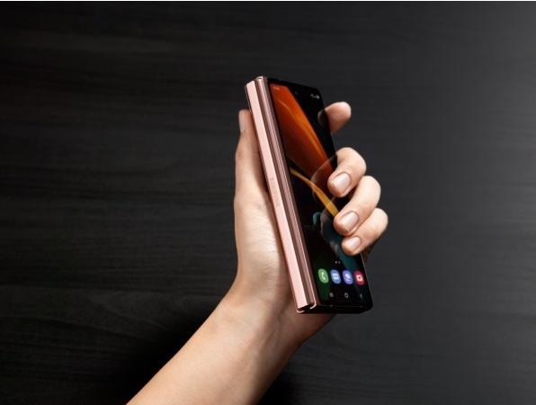 韩国媒体:三星将于2021年推出三款可折叠手机