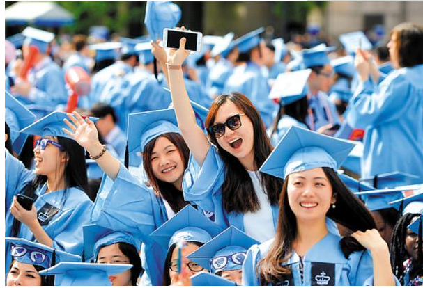 澳大利亚维多利亚州发出中国招聘广告,以吸引外国学生当采摘工