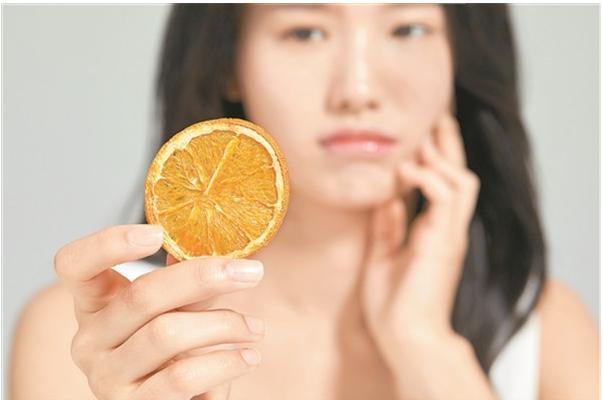 干燥和寒冷时,面部容易发红和发热?有很好的方法来管理敏感肌肉的皮肤。