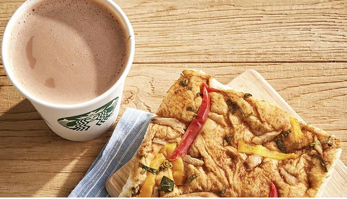 星巴克推出了一个15元的早餐套餐,这样它就能从对手那里吸引更多的客人?