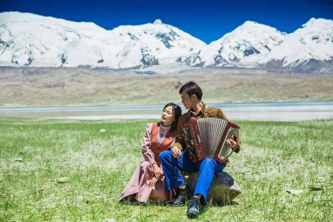 《歌声的翅膀》:向世界讲述一个多姿多彩的新疆