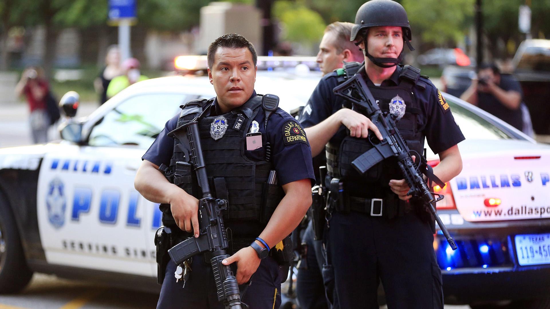 美国警察是如何滥用权力的 – 天下有警