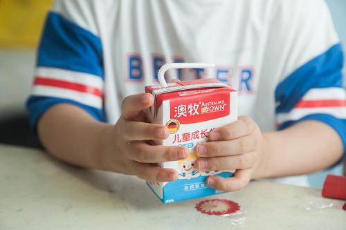 进口牛奶真的更好吗?澳牧为您揭秘