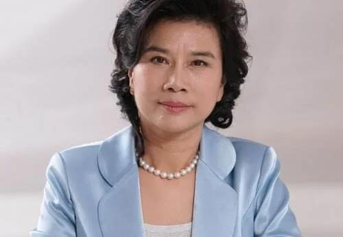 陈志鸿易评:董明珠是一位勇《涣》潮头的优秀女性践行者