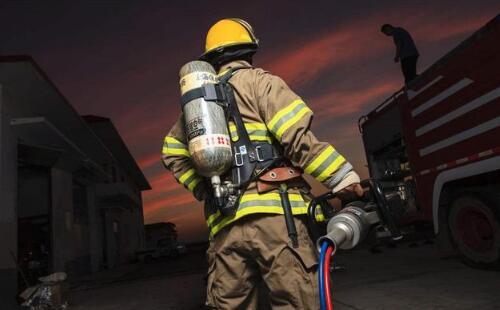 普华三人教育参与铁岭市消防救援支队开展夏季消防宣传工作!