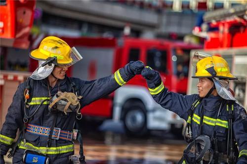普华三人教育受邀参加丹东市消防救援大队开展消防演练培训工作!